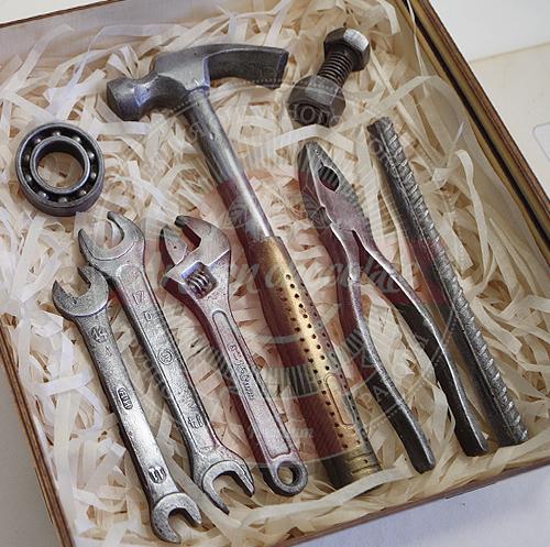 Инструменты в подарок мужчине на 23 февраля сайт доставка цветов москва